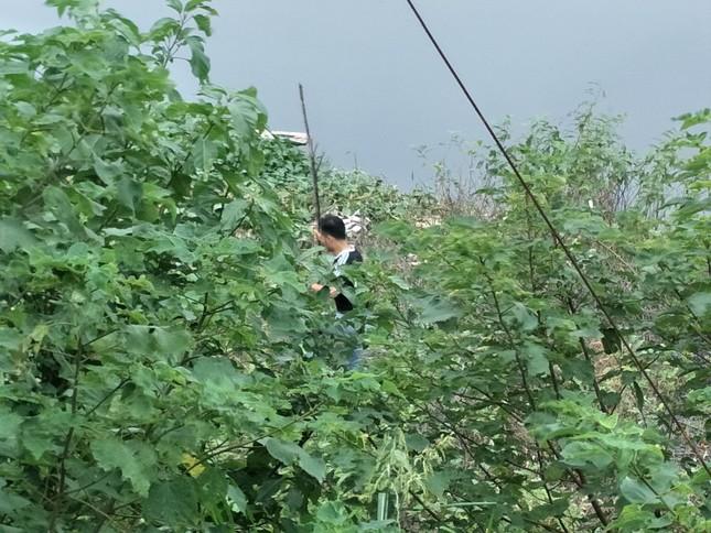 'Xới tung' ven sông Nhuệ tìm nữ sinh Học viện Ngân hàng mất tích ảnh 8