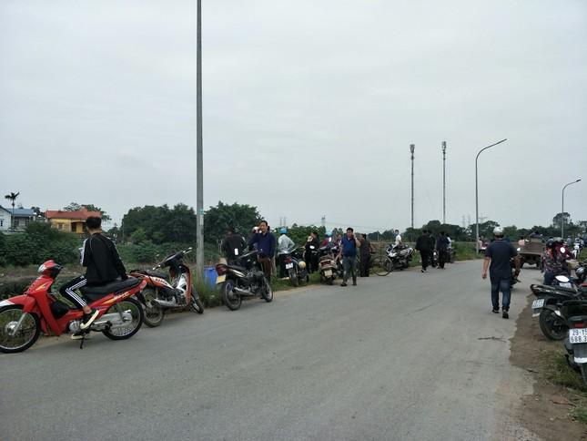 'Xới tung' ven sông Nhuệ tìm nữ sinh Học viện Ngân hàng mất tích ảnh 5