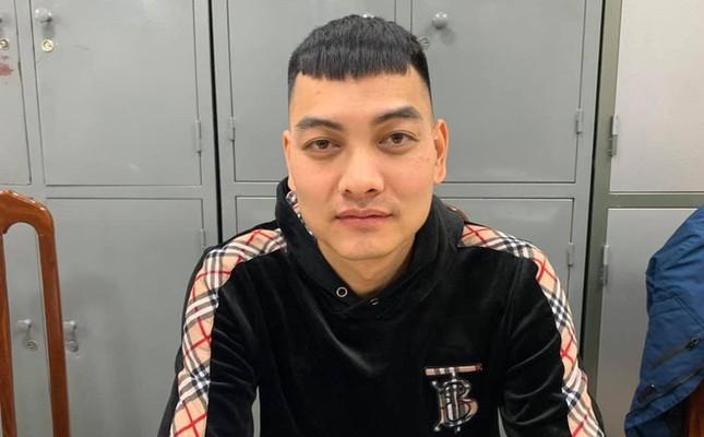 Quá khứ bất hảo của kẻ nổ súng bắn vào xe 'thánh chửi' Dương Minh Tuyền ảnh 3