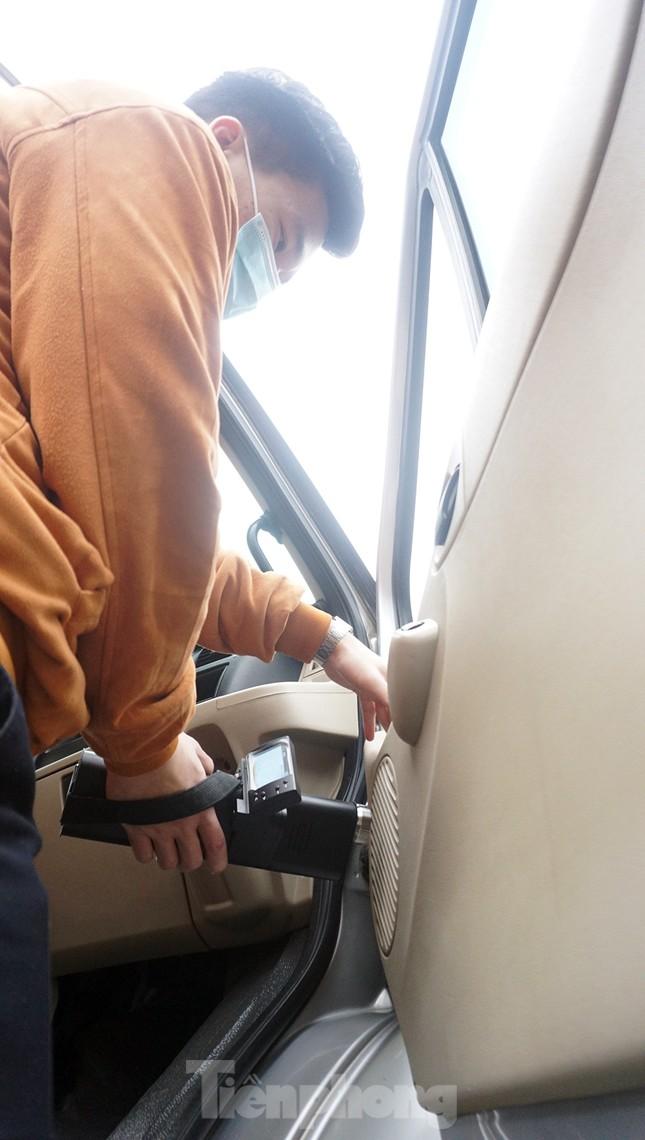Cảnh khuyển tham gia rà soát xe phục vụ Đại hội XIII ảnh 11