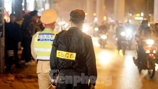 Vi phạm nồng độ cồn ở mức 'khủng', người đàn ông ngậm ngùi... bắt taxi về ảnh 3