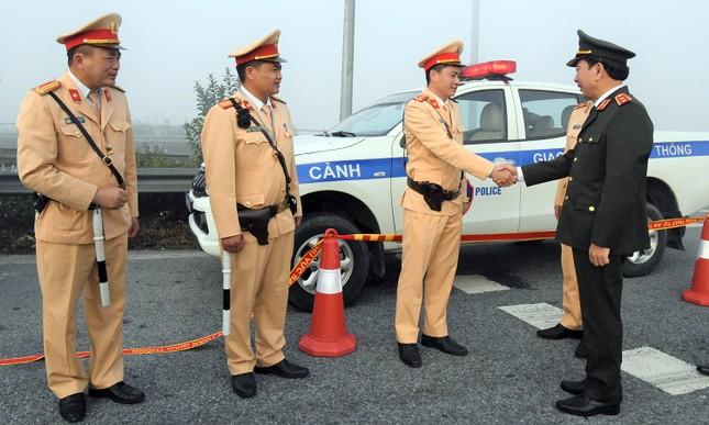 Thứ trưởng Trần Quốc Tỏ kiểm tra công tác bảo đảm an toàn giao thông trên cao tốc ảnh 3
