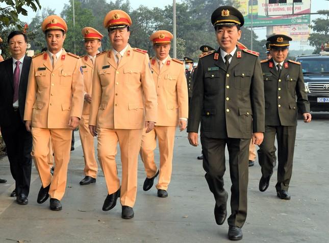 Thứ trưởng Trần Quốc Tỏ kiểm tra công tác bảo đảm an toàn giao thông trên cao tốc ảnh 1