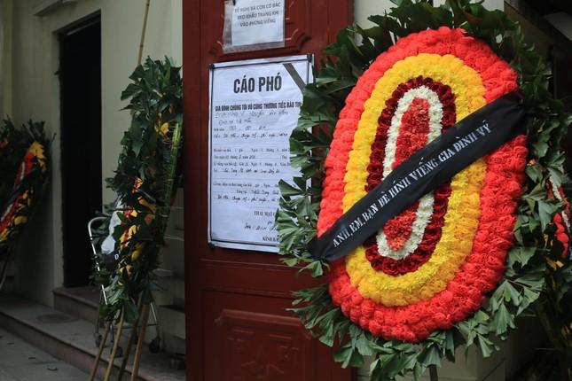 Đẫm lệ trong đám tang bốn nạn nhân vụ hỏa hoạn ở phố Tôn Đức Thắng ảnh 4