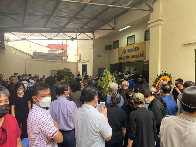 Đẫm lệ trong đám tang bốn nạn nhân vụ hỏa hoạn ở phố Tôn Đức Thắng ảnh 1