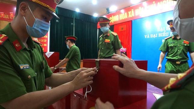 Hơn 2 nghìn cử tri tại Trại tạm giam số 1 Hà Nội bỏ phiếu bầu cử ảnh 7