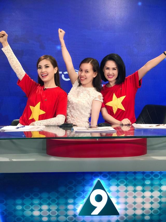 Các MC của VTV, người sang Trung Quốc, kẻ làm thơ cổ vũ U23 Việt Nam ảnh 8