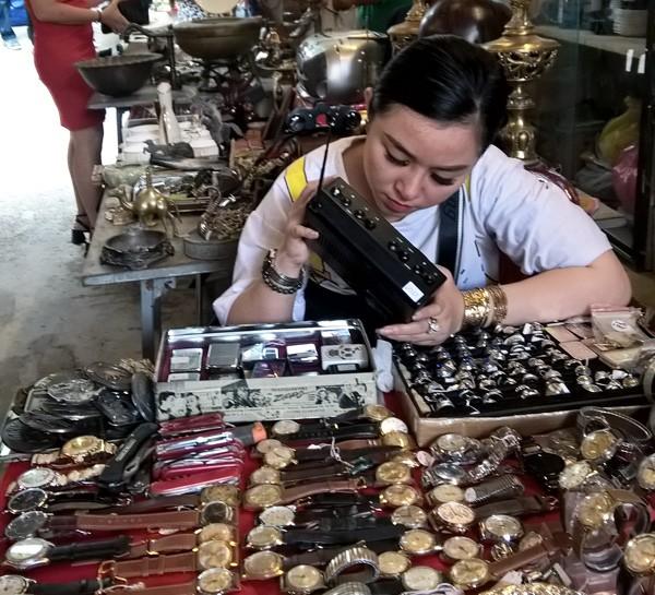 Dạo chợ đồ cổ độc nhất Sài Gòn mỗi tuần chỉ họp một phiên ảnh 4