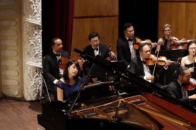 Nhà hát Giao hưởng Nhạc Vũ kịch TPHCM có đêm biểu diễn lớn nhất thế giới mùa COVID ảnh 1