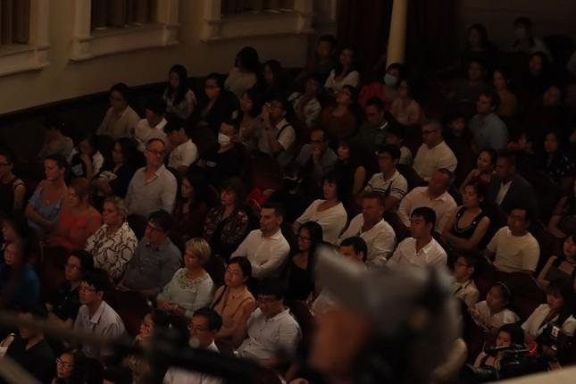 Nhà hát Giao hưởng Nhạc Vũ kịch TPHCM có đêm biểu diễn lớn nhất thế giới mùa COVID ảnh 2