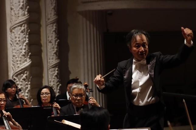 Nhà hát Giao hưởng Nhạc Vũ kịch TPHCM có đêm biểu diễn lớn nhất thế giới mùa COVID ảnh 4