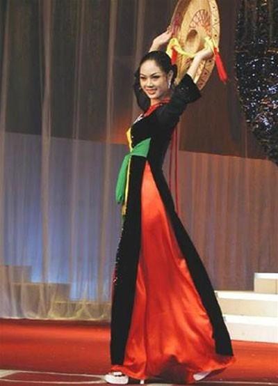 Những hoa hậu Việt Nam đọ sắc ở đấu trường quốc tế ảnh 4