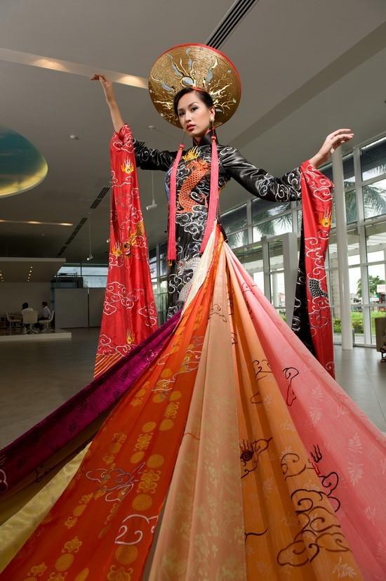 Những hoa hậu Việt Nam đọ sắc ở đấu trường quốc tế ảnh 6