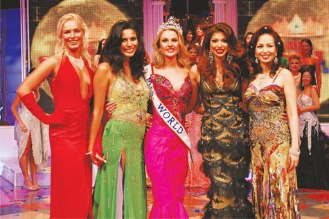 Những hoa hậu Việt Nam đọ sắc ở đấu trường quốc tế ảnh 1