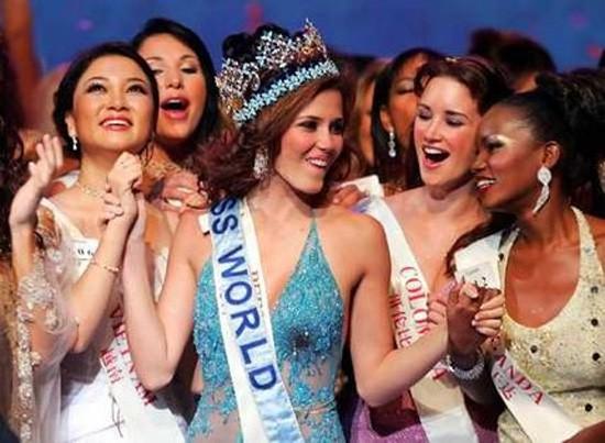 Những hoa hậu Việt Nam đọ sắc ở đấu trường quốc tế ảnh 5