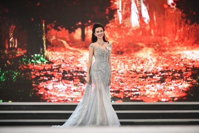 Thí sinh HHVN 2016 lộng lẫy trong trang phục dạ hội ảnh 9