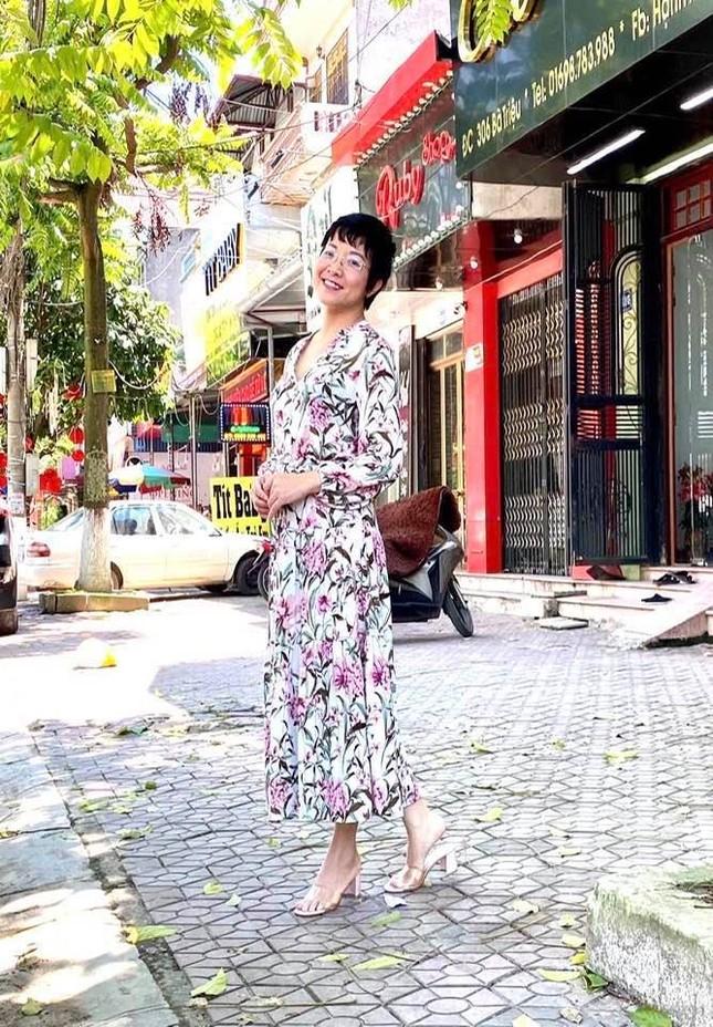 """Showbiz Việt 29/4: Tóc Tiên diện bikini bốc lửa, Đào Bá Lộc tung ảnh mặt mộc gây """"choáng"""" ảnh 6"""