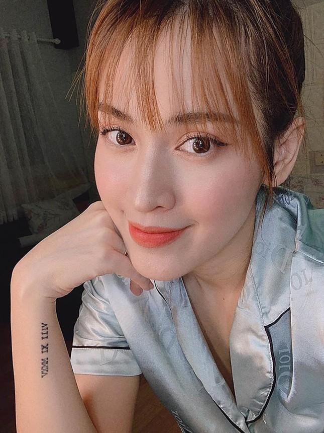 """Showbiz Việt 29/4: Tóc Tiên diện bikini bốc lửa, Đào Bá Lộc tung ảnh mặt mộc gây """"choáng"""" ảnh 8"""