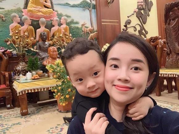 """Showbiz 13/5: Bạn gái Quang Hải """"đáp trả"""" chỉ trích, Hồng Quế phủ nhận chia tay Huỳnh Anh ảnh 2"""
