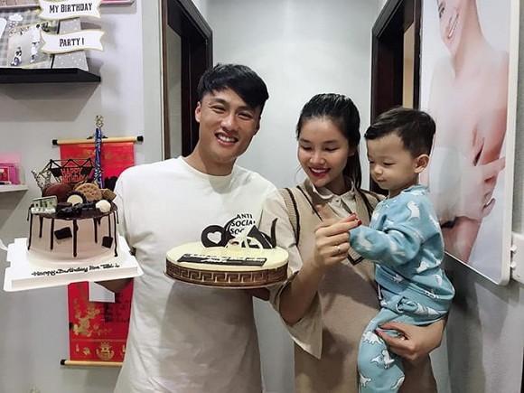 """Showbiz 13/5: Bạn gái Quang Hải """"đáp trả"""" chỉ trích, Hồng Quế phủ nhận chia tay Huỳnh Anh ảnh 1"""