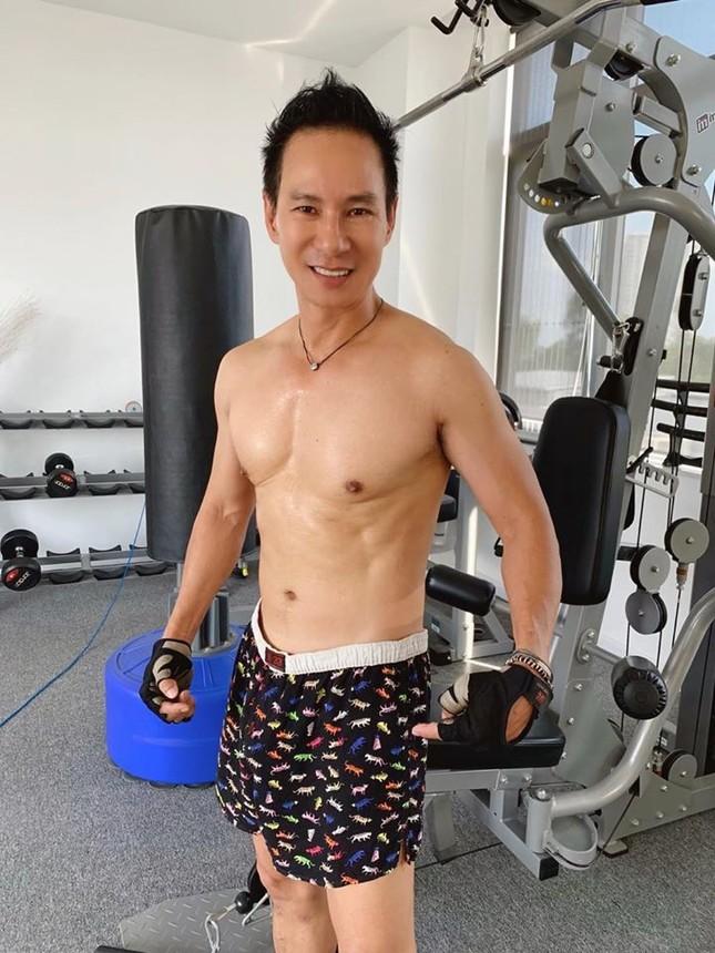 Showbiz 15/5: Lý Hải tự tin với body săn chắc ở tuổi 52, Bích Phương tung sản phẩm mới ảnh 5