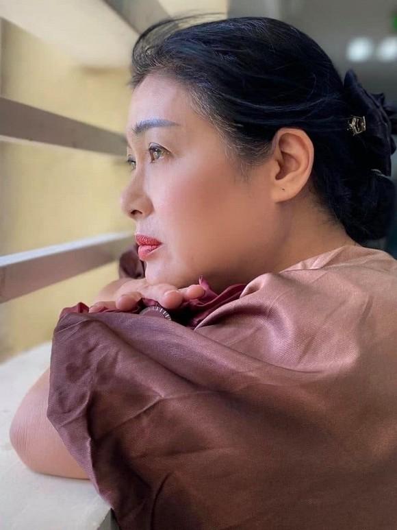 Showbiz 17/5: Hoàng Thùy đi quyền cover cô Minh Hiếu, K-ICM đáp trả anti-fan chửi mẹ nuôi ảnh 1