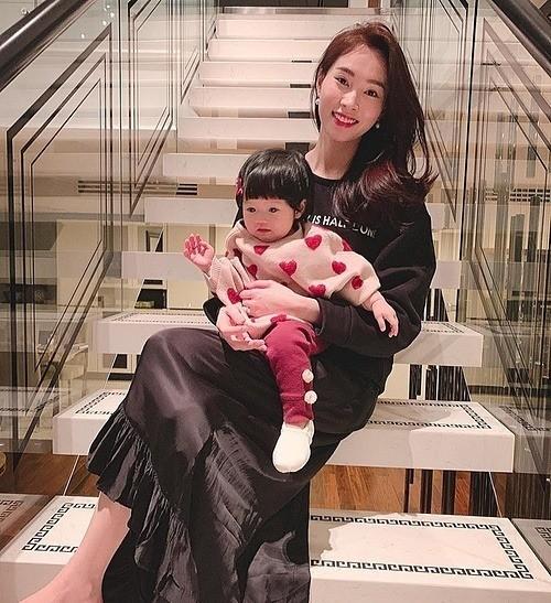 Showbiz 17/5: Hoàng Thùy đi quyền cover cô Minh Hiếu, K-ICM đáp trả anti-fan chửi mẹ nuôi ảnh 13