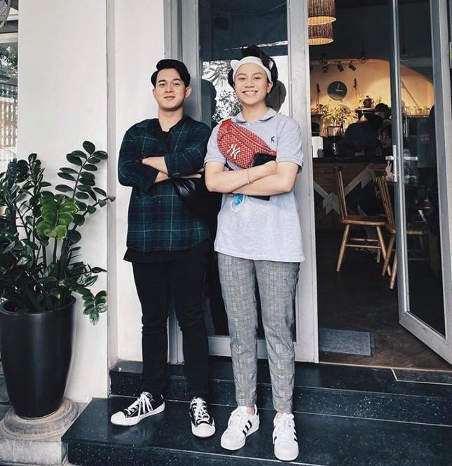 Showbiz 18/5: Lê Giang theo style Hiền Hồ, Hồng Nhung công khai bạn trai mới? ảnh 12