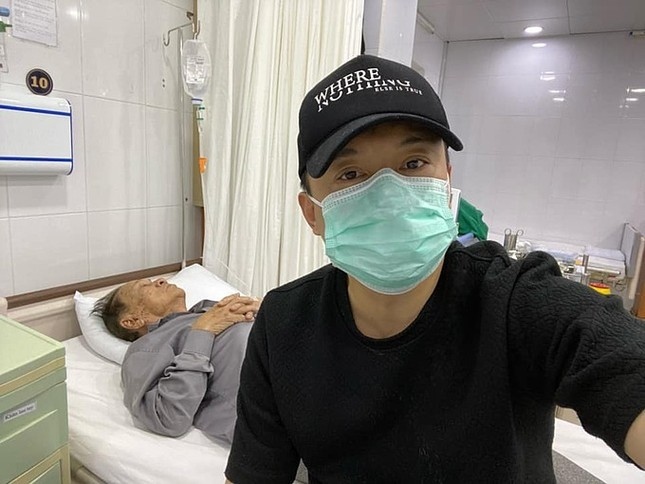 Showbiz 18/5: Lê Giang theo style Hiền Hồ, Hồng Nhung công khai bạn trai mới? ảnh 2