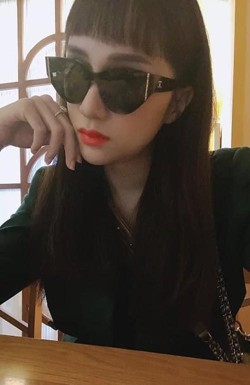 """Showbiz 22/5: Hồ Quang Hiếu chăm """"thả thính"""" hậu chia tay Bảo Anh, Hương Giang tậu xế mới? ảnh 1"""