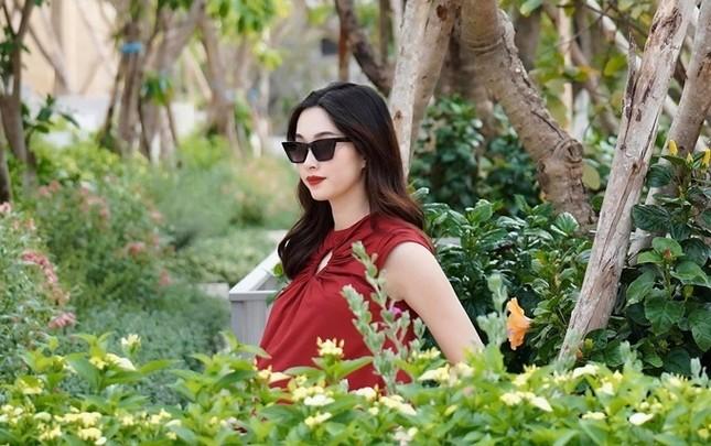 """Showbiz 22/5: Hồ Quang Hiếu chăm """"thả thính"""" hậu chia tay Bảo Anh, Hương Giang tậu xế mới? ảnh 3"""