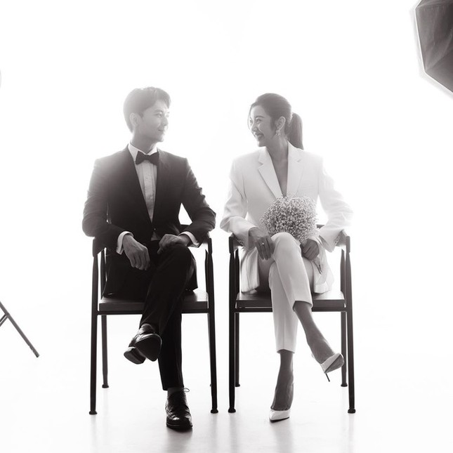 Showbiz 23/5: Lynk Lee ngày càng xinh đẹp, nữ tính, Vân Hugo đi chụp ảnh cưới ảnh 2