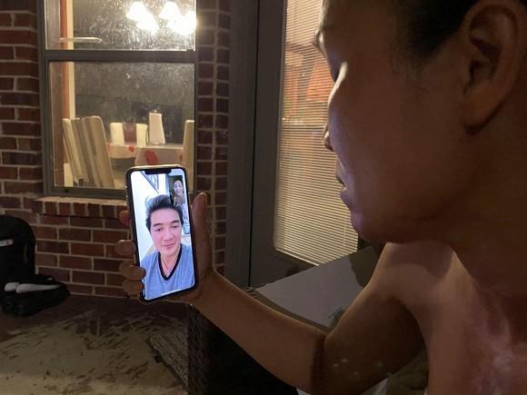 Showbiz 24/5: Hồ Ngọc Hà mang song thai, Hồng Ngọc kể về chuyện bị bỏng nước sôi ảnh 16
