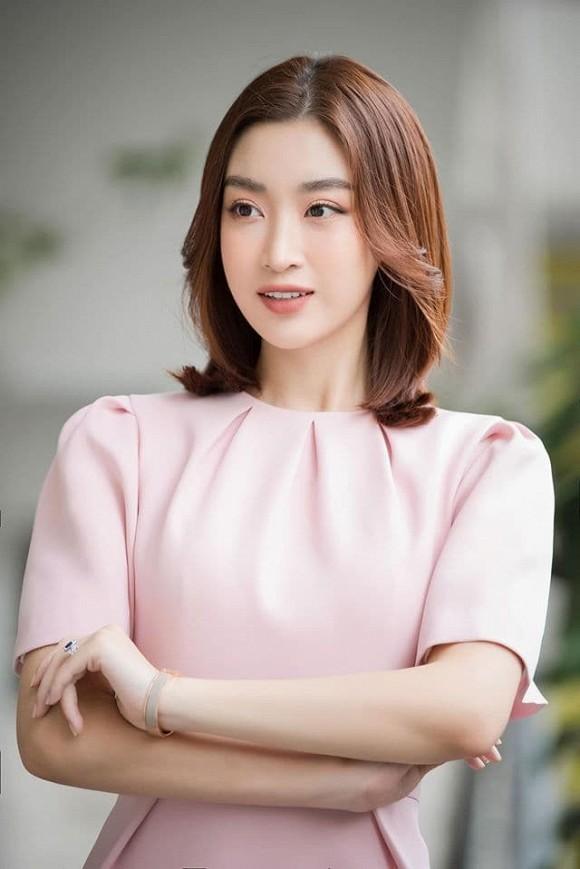 Showbiz 24/5: Hồ Ngọc Hà mang song thai, Hồng Ngọc kể về chuyện bị bỏng nước sôi ảnh 10