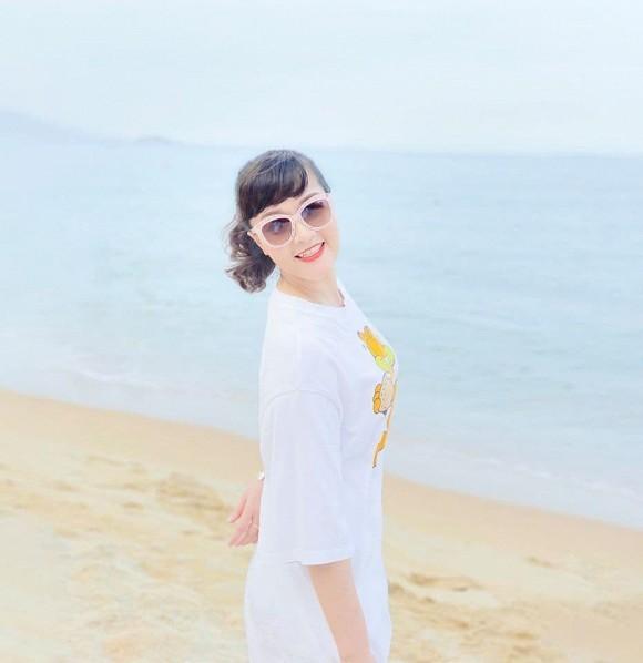 Showbiz 24/5: Hồ Ngọc Hà mang song thai, Hồng Ngọc kể về chuyện bị bỏng nước sôi ảnh 11