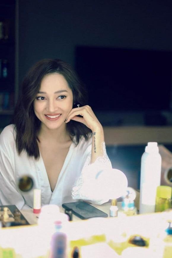 Showbiz 24/5: Hồ Ngọc Hà mang song thai, Hồng Ngọc kể về chuyện bị bỏng nước sôi ảnh 15