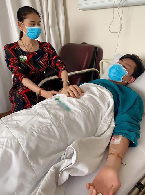 Showbiz 28/5: Quang Hải nhí nhảnh bên bạn gái mới, Hồng Quế khoe lưng trần táo bạo ảnh 10