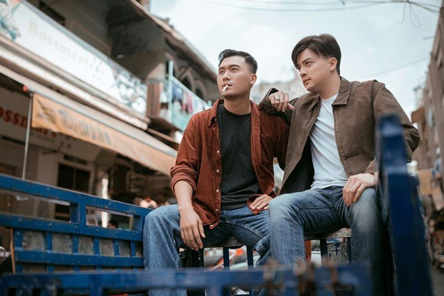 """Showbiz 29/5: Cao Thái Sơn """"lột xác"""" trong MV mới, Lam Trường nhập viện  ảnh 2"""