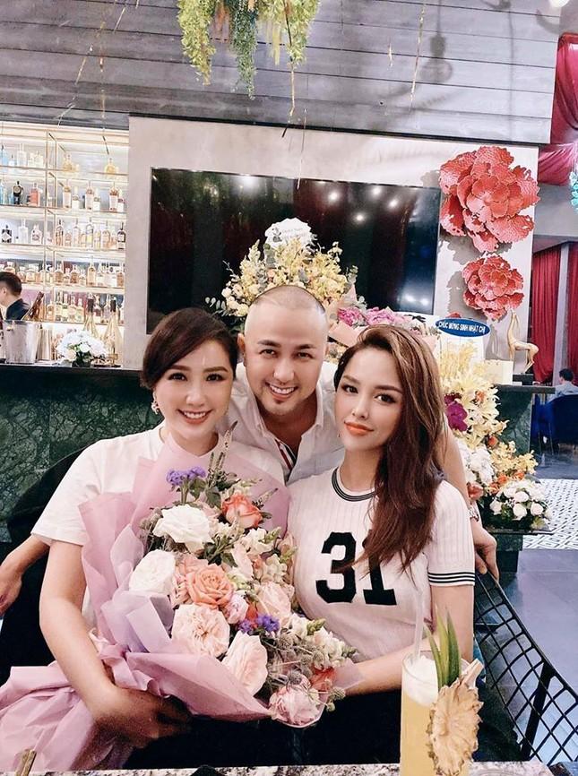 Showbiz 31/5: Yaya Trương Nhi gay gắt với Lương Bằng Quang, Đặng Thu Thảo lộ diện sau sinh ảnh 10