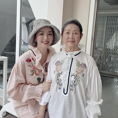 Showbiz 31/5: Yaya Trương Nhi gay gắt với Lương Bằng Quang, Đặng Thu Thảo lộ diện sau sinh ảnh 7