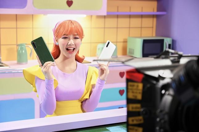 """Amee: """"Ngọc nữ 10X trăm triệu view"""" của V-pop """"si tình nhưng chủ động trong tình yêu"""" ảnh 4"""