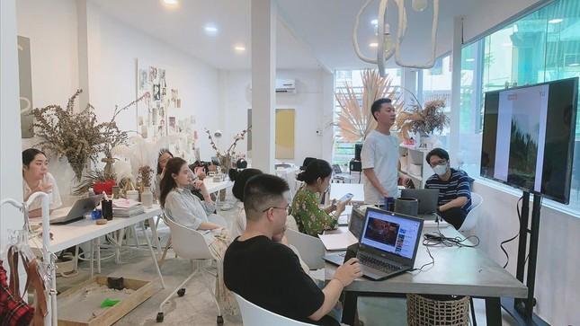Phan Mạnh Quỳnh viết ca khúc chống dịch, Quang Trung phủ nhận tin đồn yêu Quốc Khánh ảnh 22