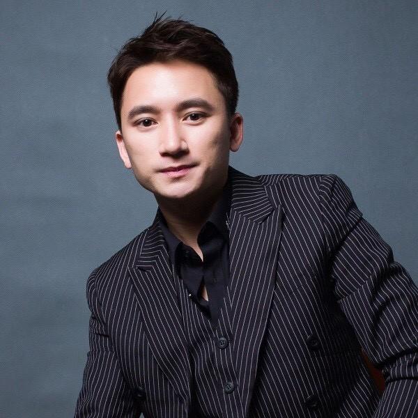 Phan Mạnh Quỳnh viết ca khúc chống dịch, Quang Trung phủ nhận tin đồn yêu Quốc Khánh ảnh 9