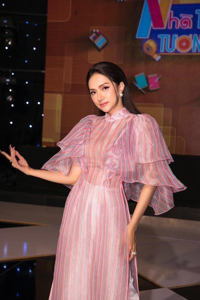 Ngọc Trinh đều đặn thưởng xế hộp cho nhân viên, Chi Pu gây nghi vấn khi đạt 5 triệu follow ảnh 12