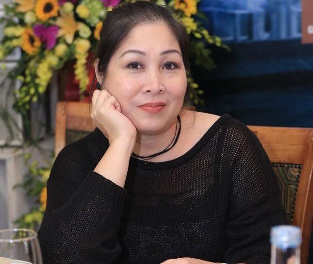 """Lynk Lee: """"Sao trời lại cho em làm bạn với cô đơn""""; Thu Minh khoe nhẫn và đồng hồ tiền tỷ ảnh 16"""