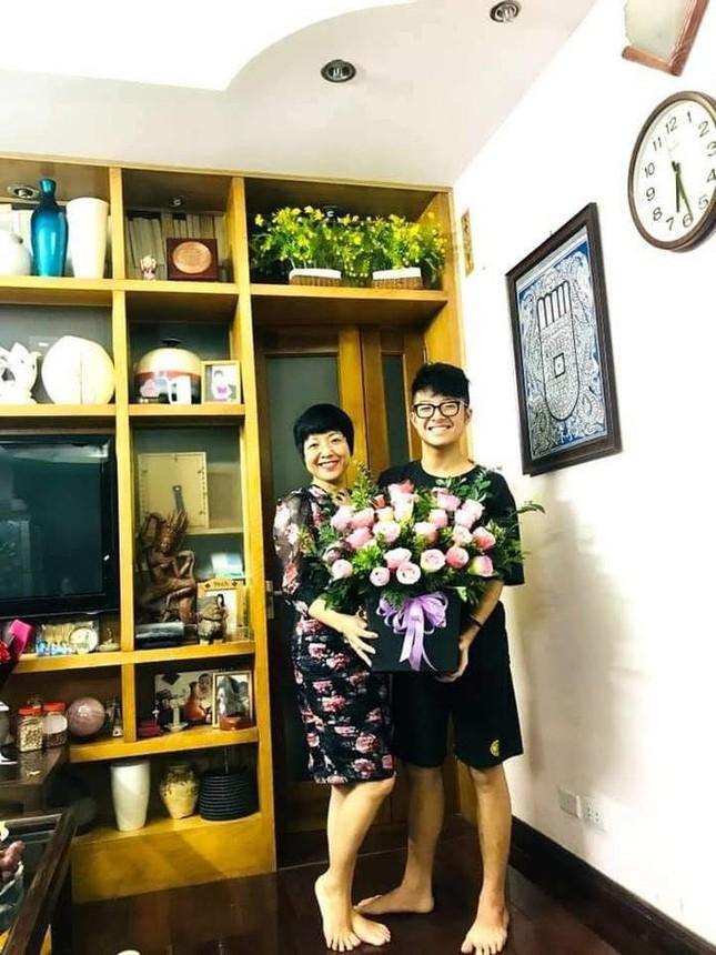 Lã Thanh Huyền đổi kiểu tóc dịu dàng nữ tính. Cao Thái Sơn bất ngờ đăng status tiêu cực ảnh 8