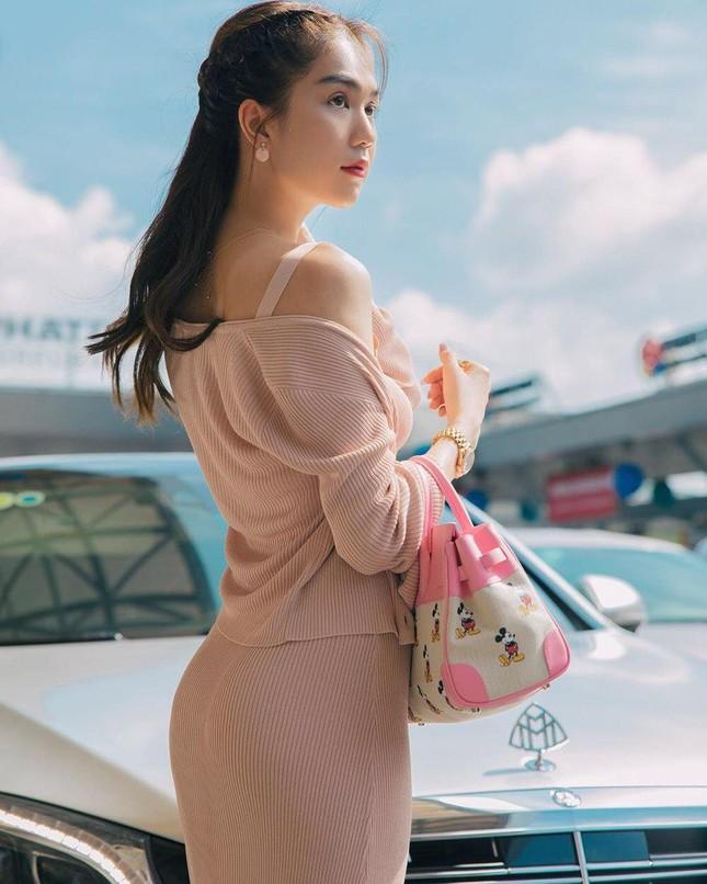 Lã Thanh Huyền đổi kiểu tóc dịu dàng nữ tính. Cao Thái Sơn bất ngờ đăng status tiêu cực ảnh 16