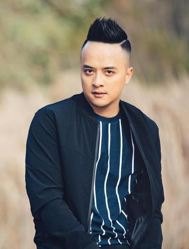 Lã Thanh Huyền đổi kiểu tóc dịu dàng nữ tính. Cao Thái Sơn bất ngờ đăng status tiêu cực ảnh 1
