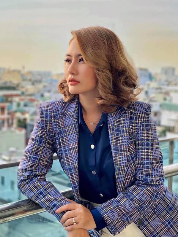 Ngọc Lan xin ứng tuyển làm vợ hoàng tử Brunei; Hoa hậu Kỳ Duyên đọ sắc bên siêu mẫu Hà Anh ảnh 4