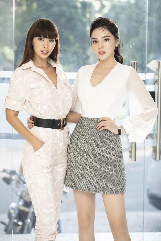 Ngọc Lan xin ứng tuyển làm vợ hoàng tử Brunei; Hoa hậu Kỳ Duyên đọ sắc bên siêu mẫu Hà Anh ảnh 6